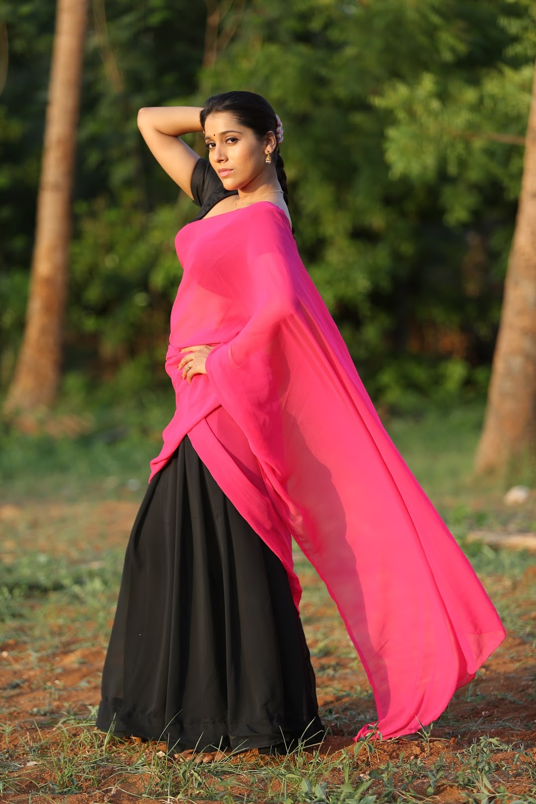 Rashmi Goutham Latest Photoshoot In Pink half Saree