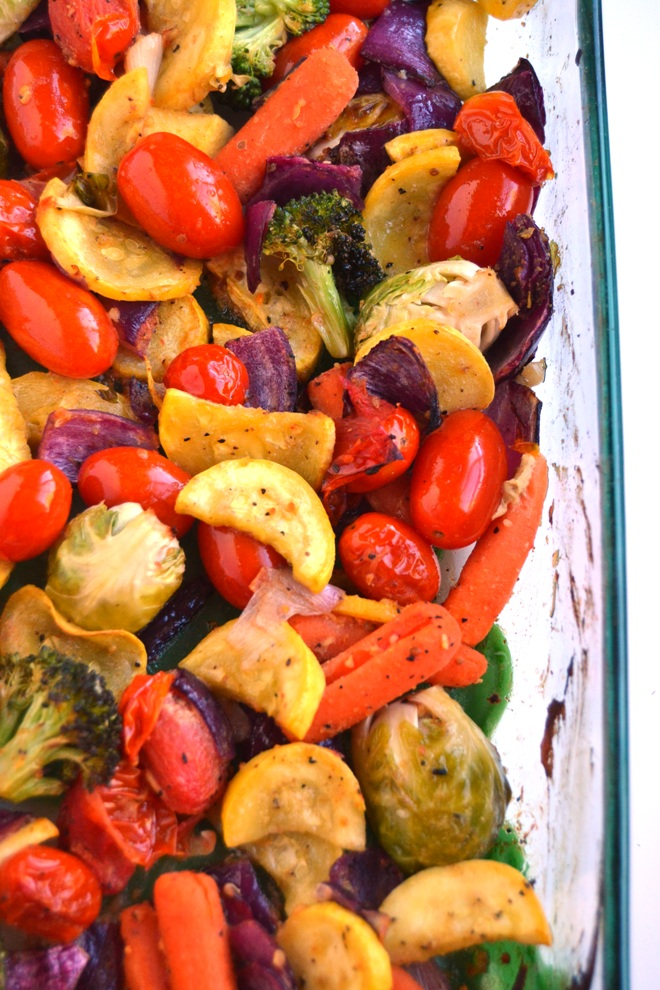 Rainbow Roasted Vegetables are simple to make and customizable with your choice of different red, orange, yellow, green and purple vegetables and 4 spice blends for the perfect side dish! www.nutritionistreviews.com