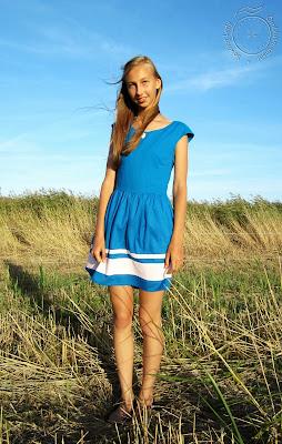 Sinine suvekleit