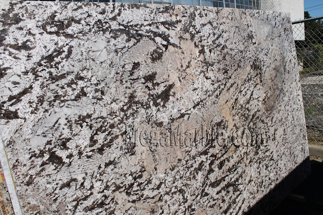 Bianco Antico Extra Polished Granite slabs for countertop