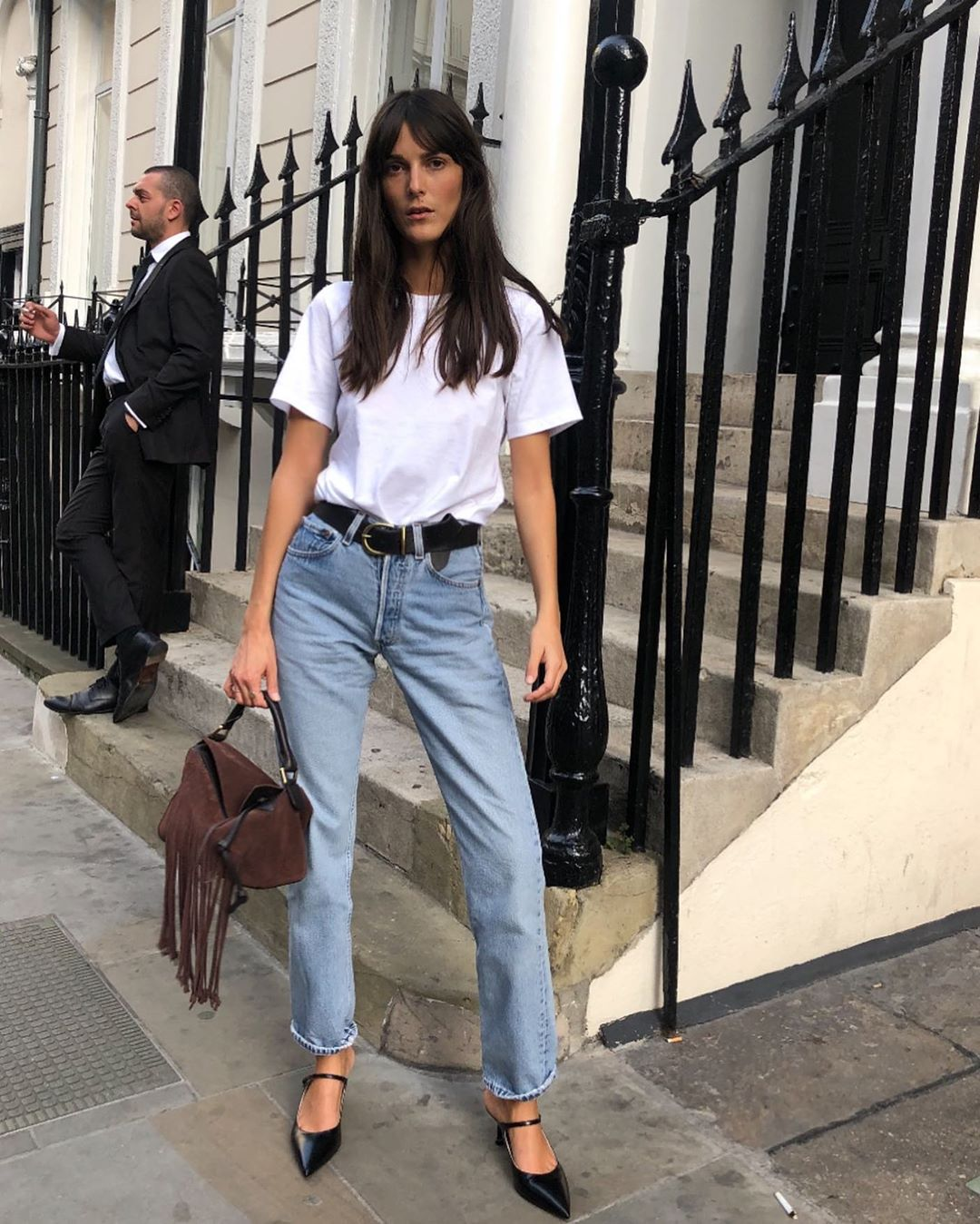 The French-Girl Way to Wear a White Tee and Jeans for Spring — Leia Sfez Instagram Outfit