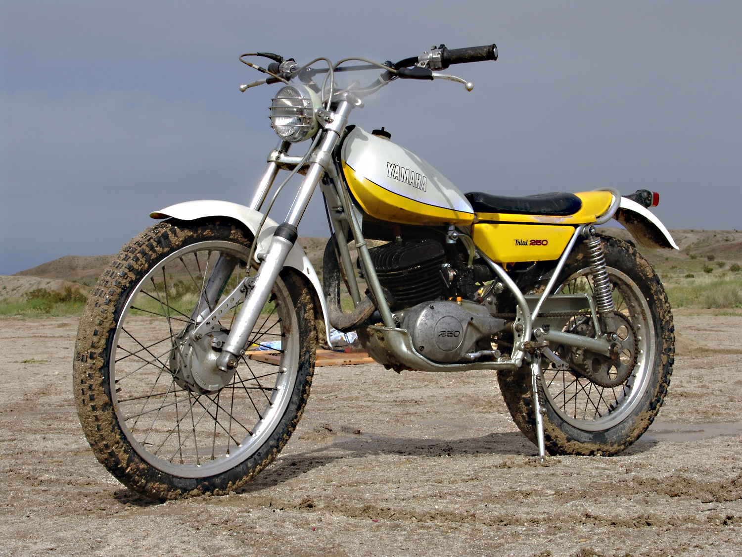 greasy hands and busted knuckles 1974 yamaha ty250. Black Bedroom Furniture Sets. Home Design Ideas