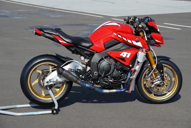 Racing Caf U00e8  Yamaha Mt