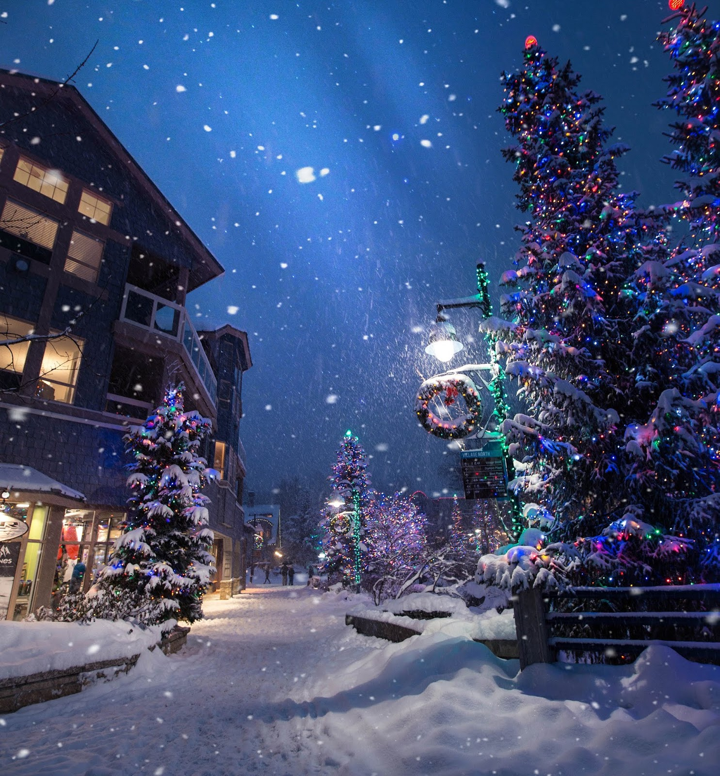 Restaurants Open On Christmas Eve 2019.Best Places To Go For Christmas 2019 The Travel Knowledge