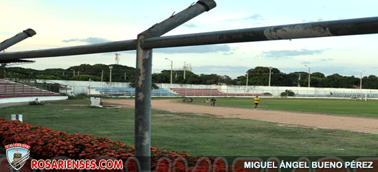 Estadio sin malla…riesgo latente   Rosarienses, Villa del Rosario
