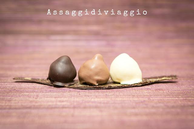 Baci perugina al ciocclato fondente, al cioccolato al latte ed al cioccolato bianco