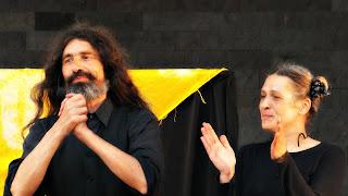 Os Bonequeiros Nelson Haas e Elisabeth Bado no Final do Espetáculo 'O Melhor do Só Rindo'