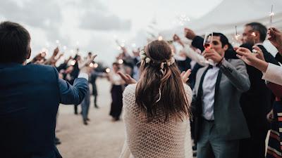 Novios en boda en la playa