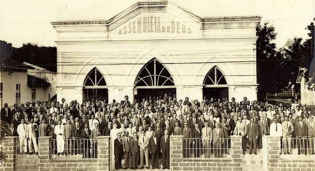 Os primeiros cultos da Assembleia de Deus