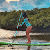 Stand up paddle fortalece barriga, pernas e melhora a postura