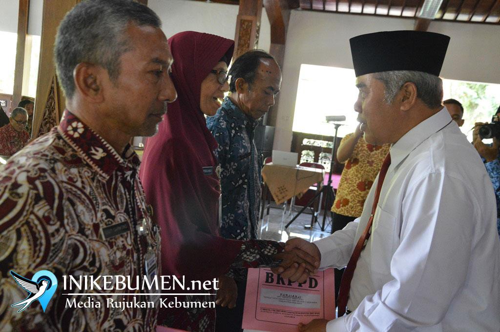 Bertepatan dengan Hardiknas, 123 Guru PNS di Kebumen Memasuki Usia Pensiun