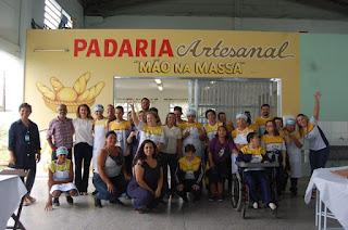 """Emoção na inauguração da Padaria Artesanal """"Mão Na Massa""""  da Escola João De Barro/Apae da Ilha"""