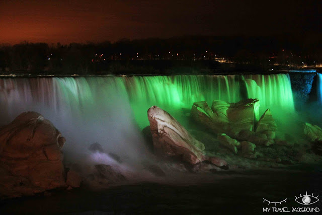 My Travel Background : 4 jours au Canada - Les chutes du Niagara de nuit
