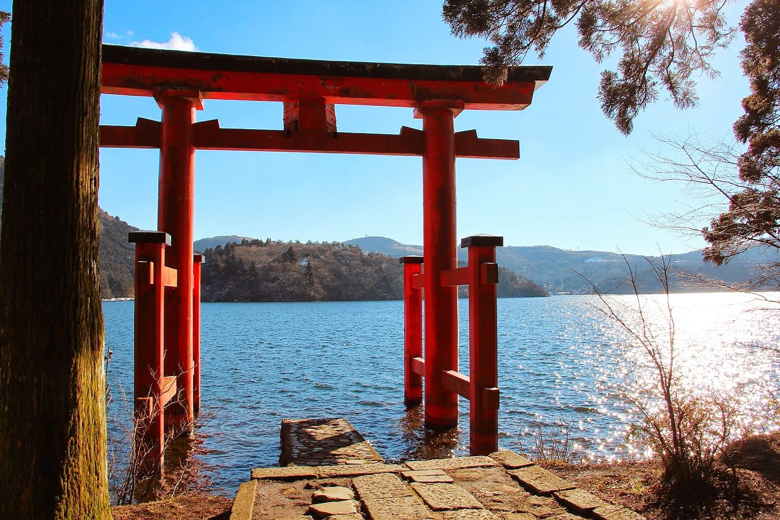 「箱根蘆之湖」的圖片搜尋結果