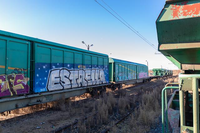 Vagones, vagones de tren abandonados, pintadas, grafitis, vagones pintados, grafiti en vagones, vías de tren