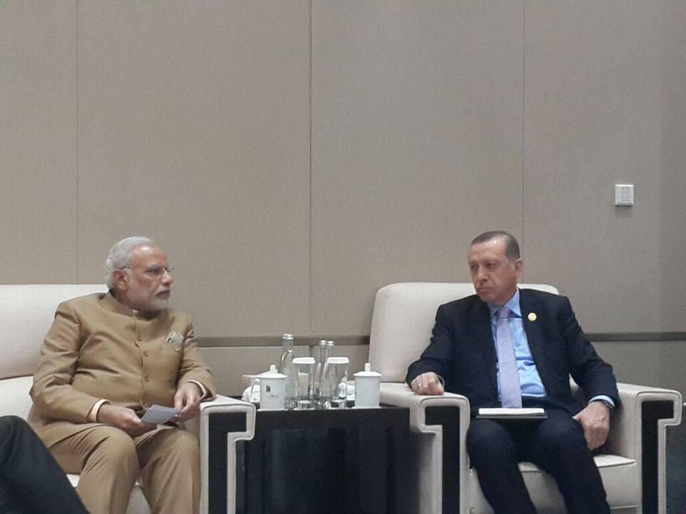 Ο Τούρκος πρόεδρος Ρετζέπ Ταγίπ Ερντογάν συναντήθηκε πρόσφατα με τον πρωθυπουργό της Ινδίας Ναρέντρα Μόντι.