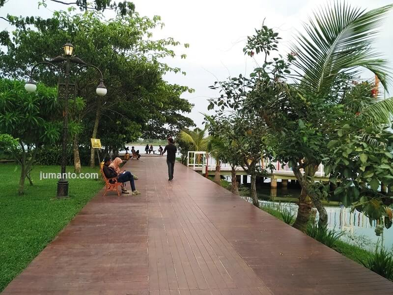 danau jakabaring tempat nongkrong sore hari di palembang