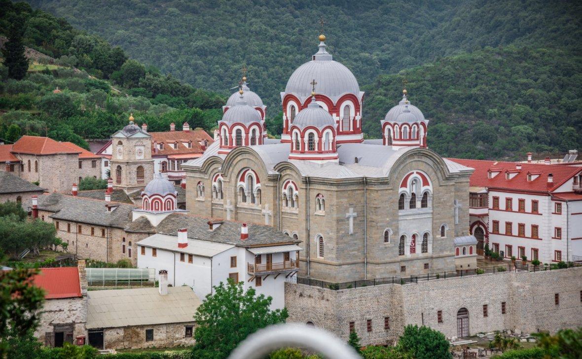 РПЦ: Отправление молитвенных надобностей в не отведенных для этого местах запрещено