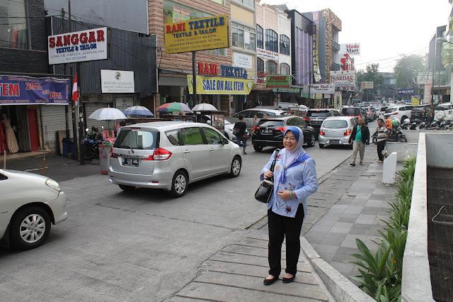 Shopping Lace Di Pasar Mayestik Jakarta