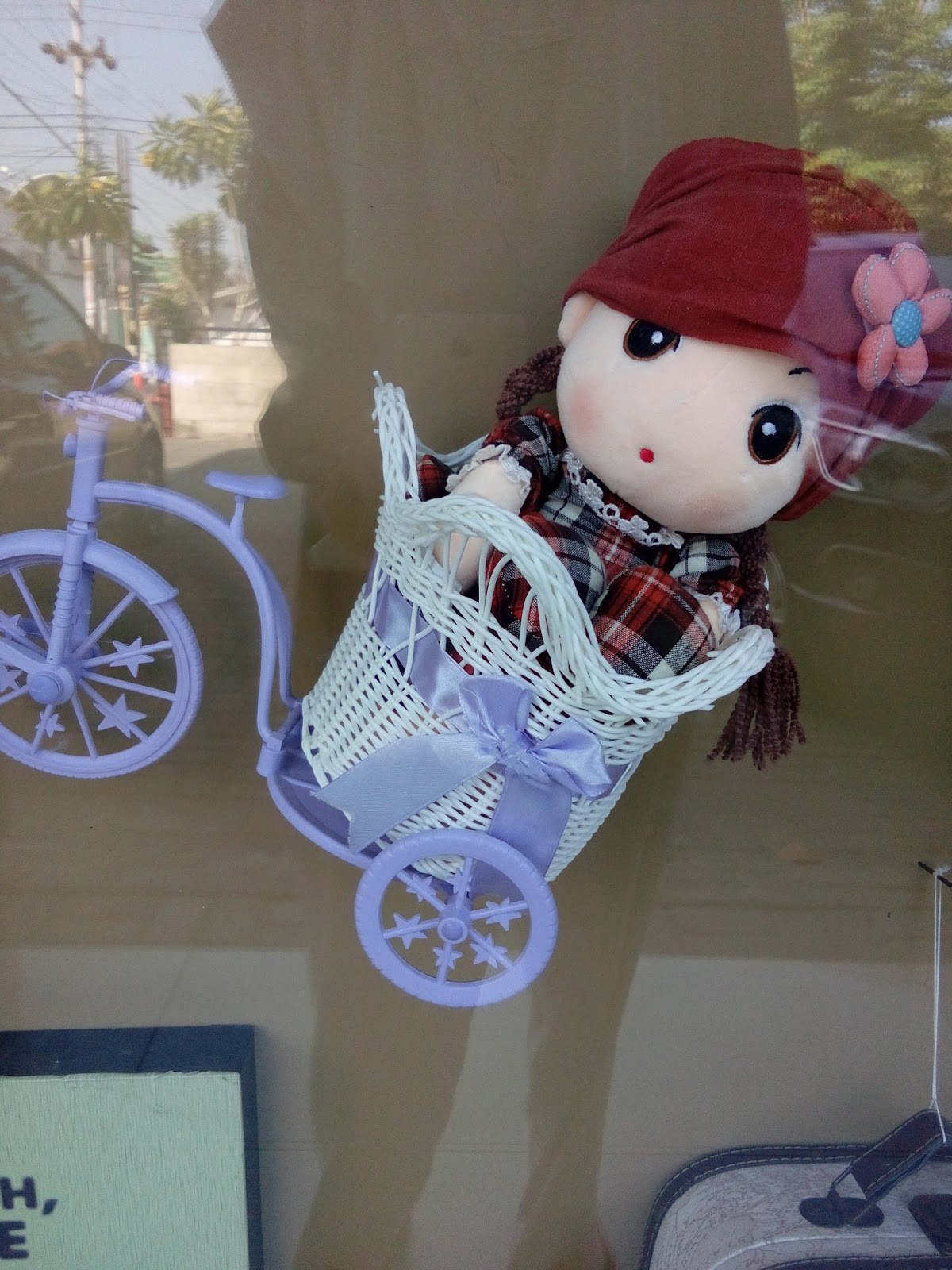 boneka cantik produk yang dijual di Jolie Jogja Wirobrajan