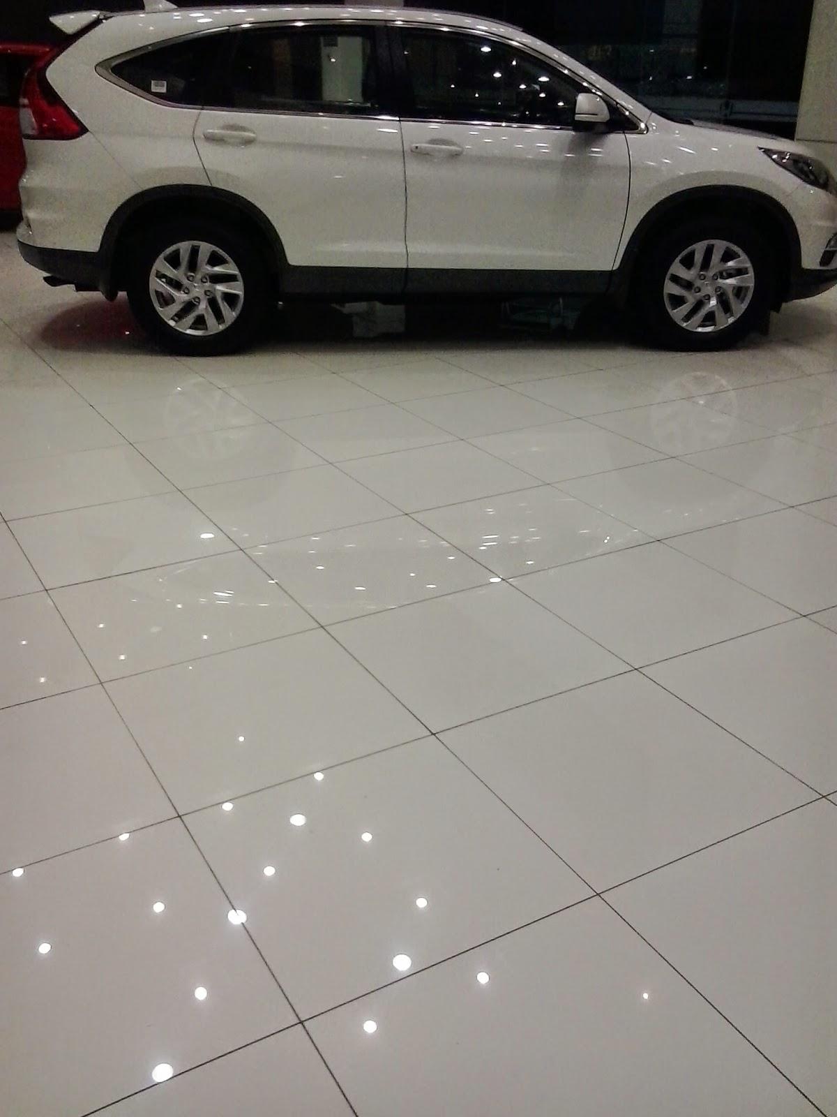 Dealer Mobil Jatisampurna , Pelanggan dapat datang Ke dealer Untuk Melihat Mobil Honda seperti Brio, Mobilio, BRV, HRV dll