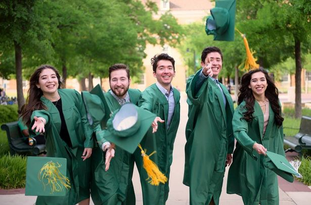 Quintuplets graduate from college with 5 different courses