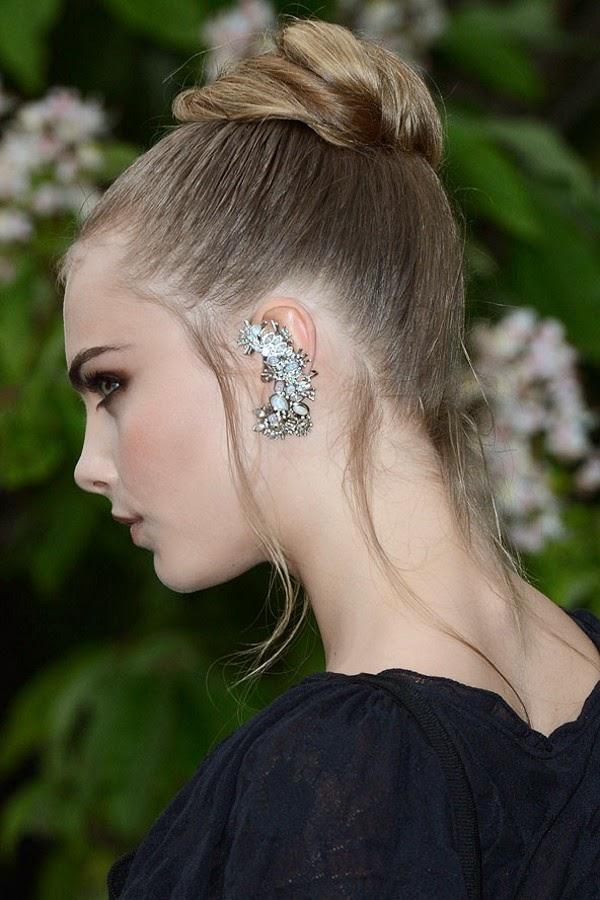Penteados: Cabelos presos (coques, chignons)