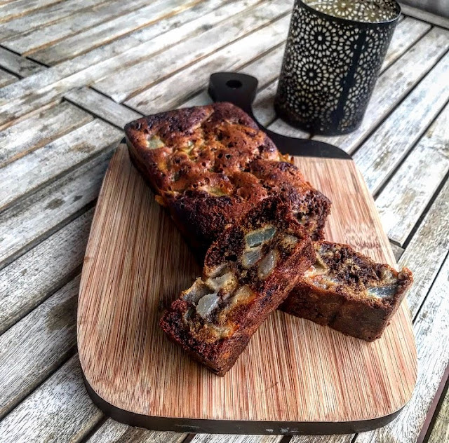 Cake healthy ultra moelleux poire et chocolat Charlotte and cooking