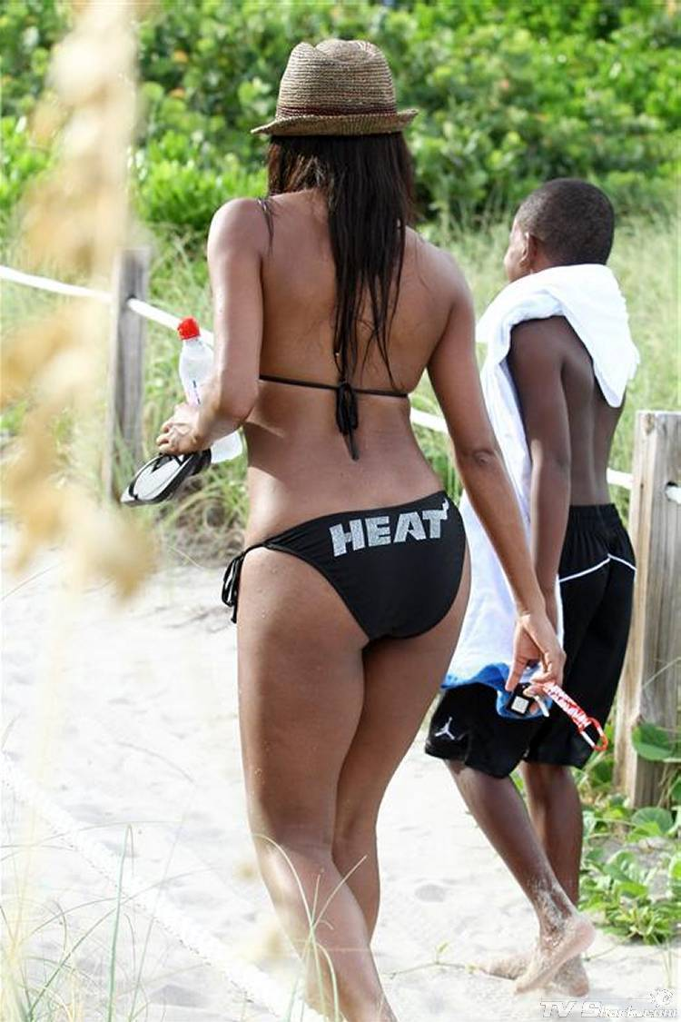 Gabrielle Union Simply Stuns In A Bikini
