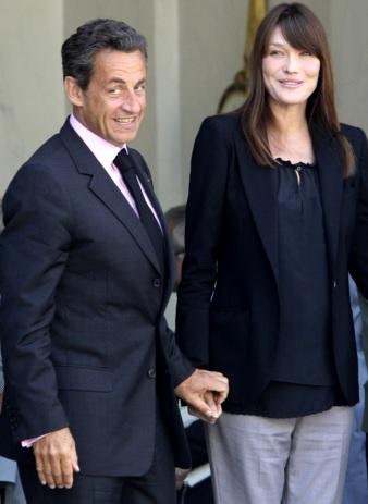 Foto de Nicolas Sarkozy muy elegante junto a Carla Bruni