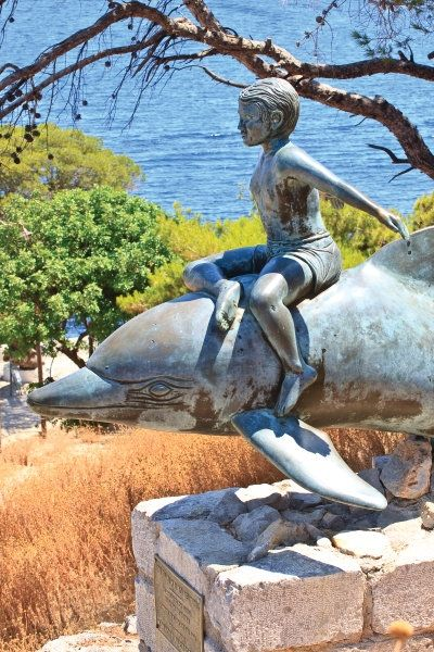 "Statue of ""Boy on a Dolphin"" Hydra"