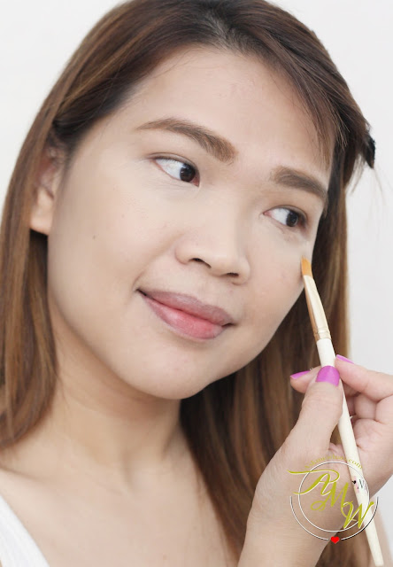 a photo of the SAEM Cover Perfection Tip Concealer Review by Nikki Tiu of www.askmewhats.com