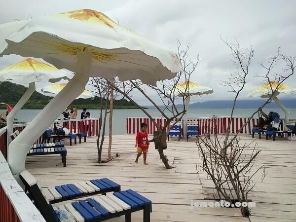payung jamur pulau cinta