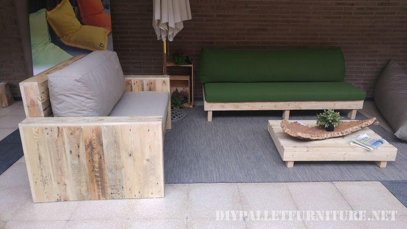 Sofas y sillones con cojines de for Sofa exterior reciclado