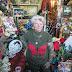 71χρονη γέμισε ένα δωμάτιο με χιλιάδες αναμνηστικά του Ελβις