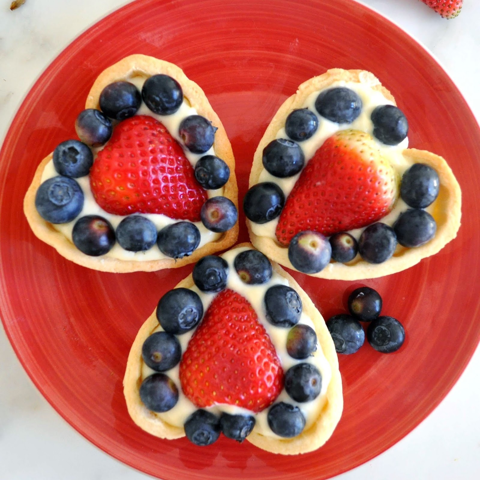 Cooking with Manuela: Heart Shaped Fruit Tart