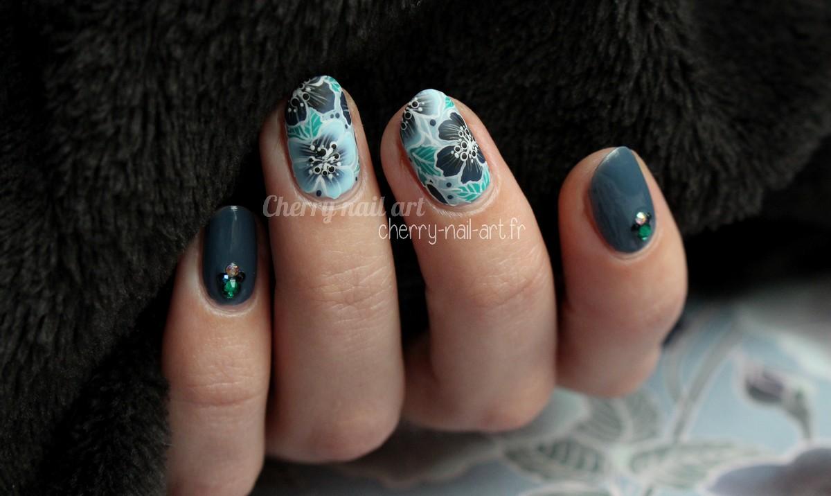 nail-art-fleurs-one-stroke-hiver