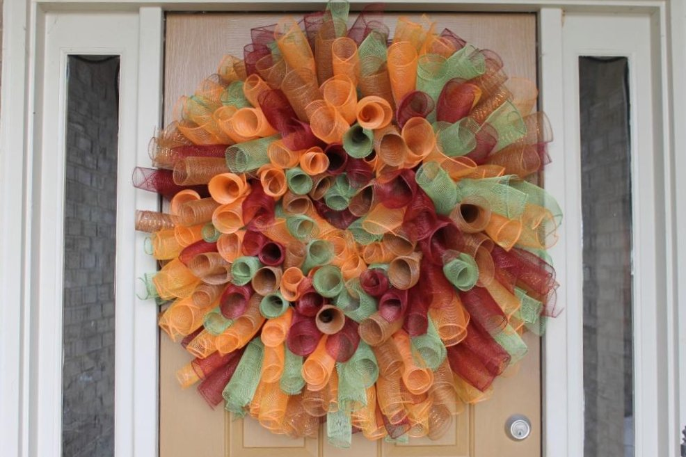 How to make a curly deco mesh wreath miss kopy kat how to make a curly deco mesh wreath solutioingenieria Gallery