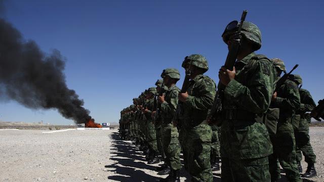 """Soldados mexicanos exigen volver a sus cuarteles """"hartos de luchar contra sicarios"""" que salen libres"""