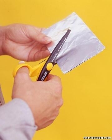 Afilar tijeras con papel aluminio