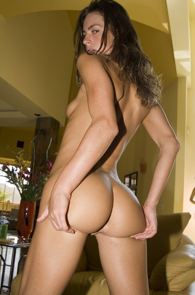 Aleksic nude pic of naomi russell american