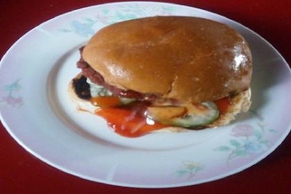 Cara mudah buat burger 'homemade' yang sihat untuk anak - anak