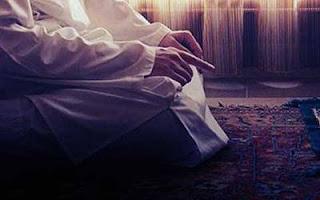 Kali ini akan dibahas teks bacaan doa setelah tahiyat akhir sebelum salam lengkap bahasa a Doa Setelah Tahiyat Akhir Sebelum Salam Lengkap Arab, Latin dan Artinya