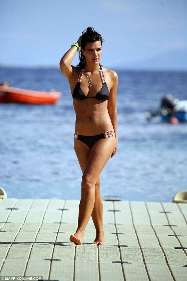 Expendables star Natalie Burn hot bikini picture 1