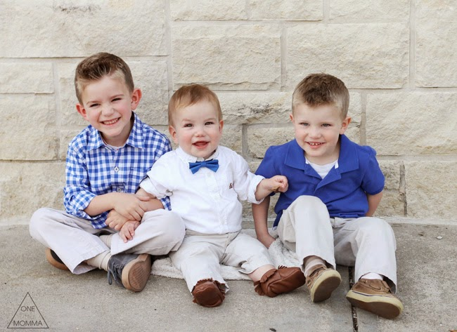Blue and white family photo oufits