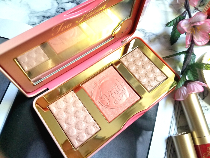 Too Faced - Sweet Peach Glow Peach Infused Highlighting Palette - 39.99 Euro - Madame Keke Beauty Blog
