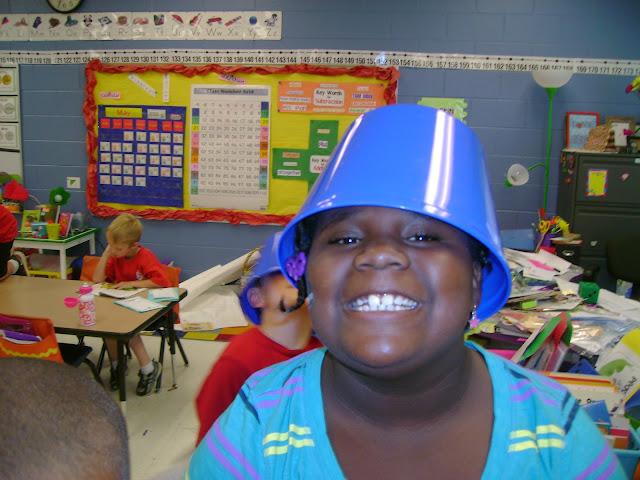 Classroom Trash buckets and garbage bowls