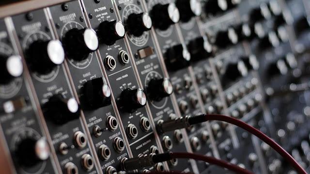 Aproximación entorno a la escena de la música electrónica en Medellín y en general de Colombia. - Colectivo Microtonal
