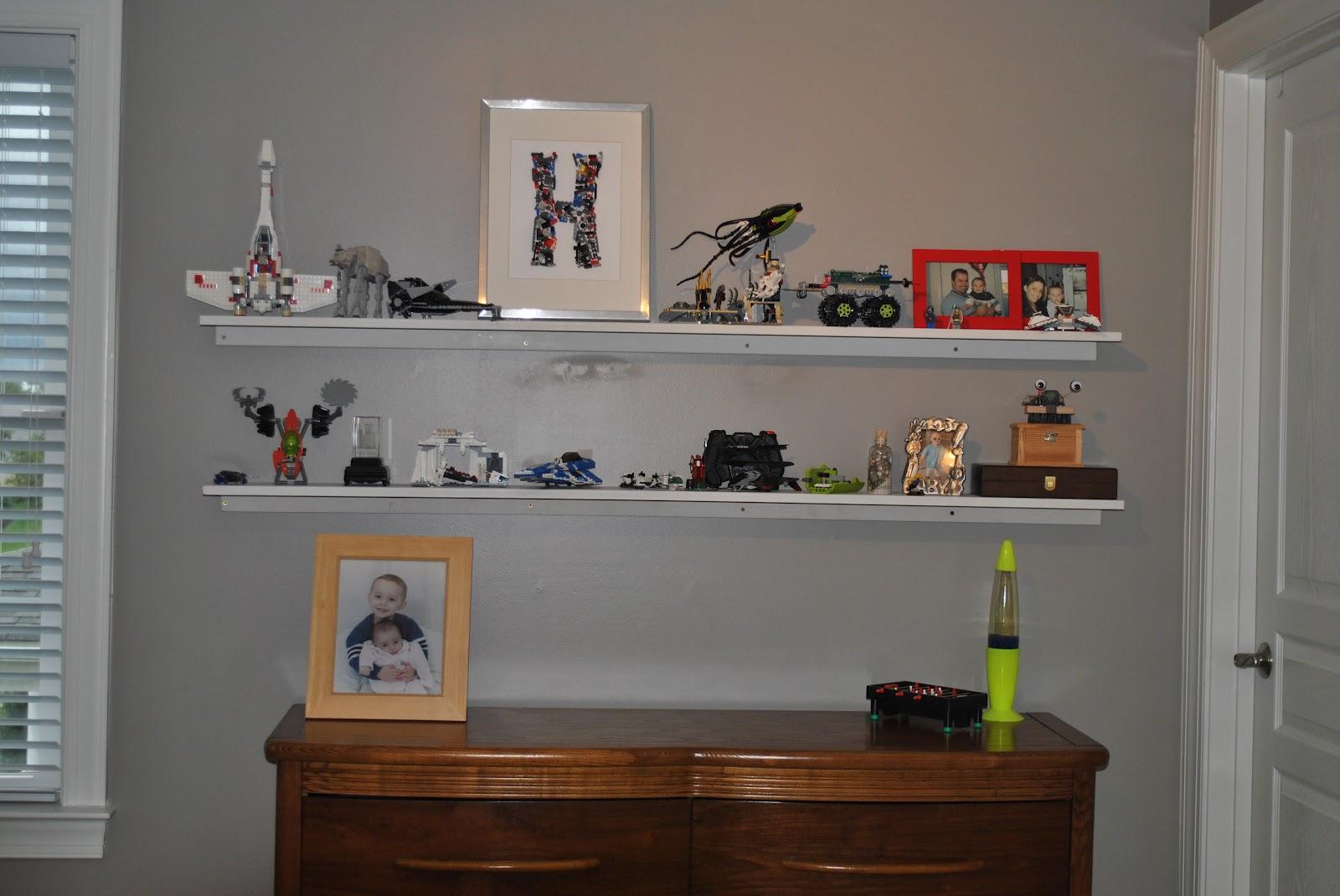 Adventures in DIY: DIY Floating Shelves