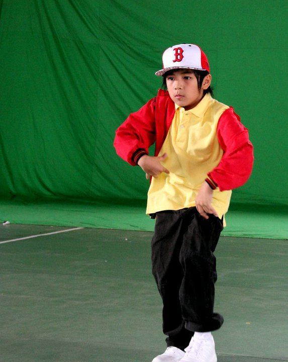 Brandon funky papua fay nabila grandfinal4 imb 23 oct 2010 foto